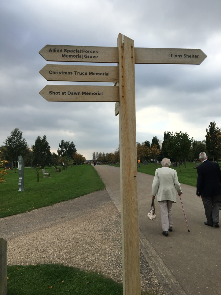 Signpost to WW1 memorials